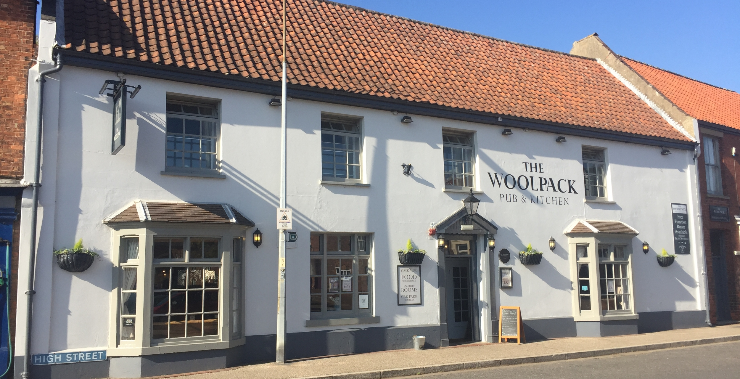 A warm welcome to new Woolpack landlords